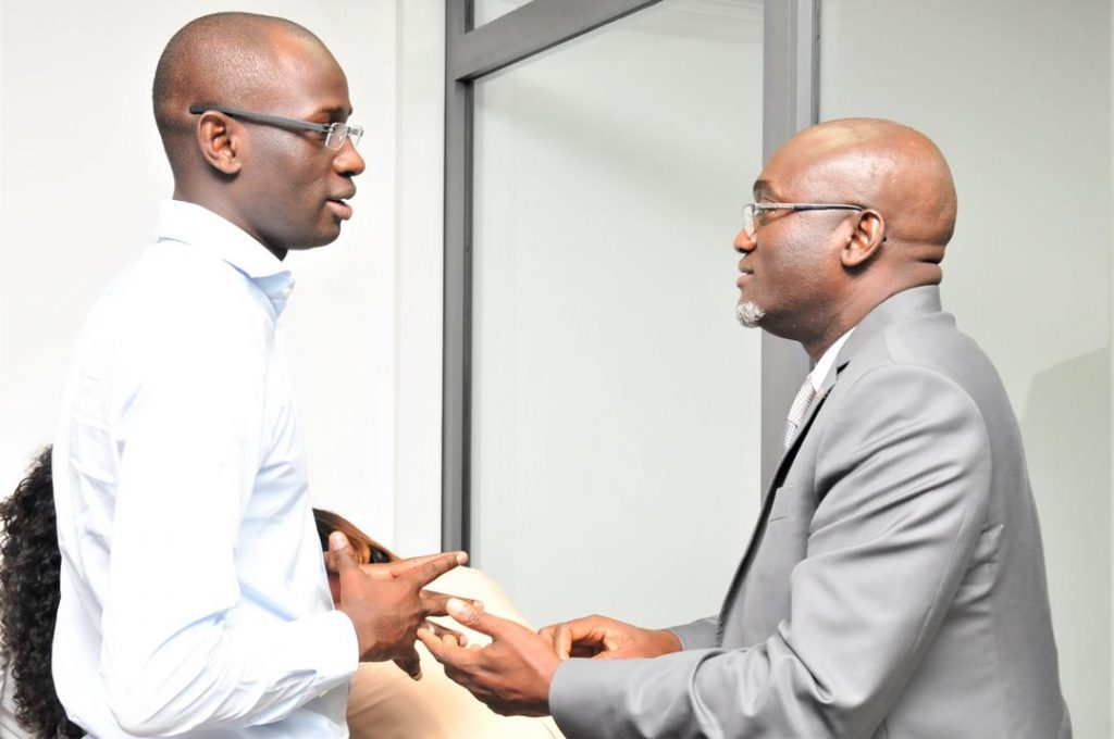 Le DG de la Senelec en discussion avec le DG de AKilee SA Amadou Ly